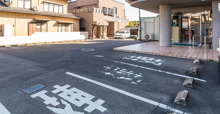 駐車場多数完備